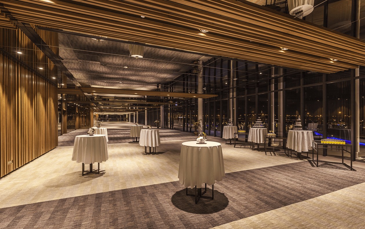 The pre-function foyer can host up to 1,000 guests for a welcoming reception.